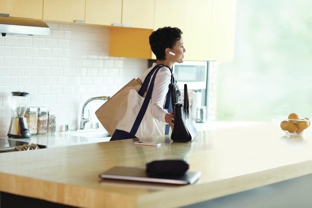 Explorer 500_woman_kitchen_11JUL15